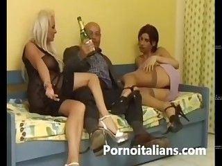 Italian shemale sex clip