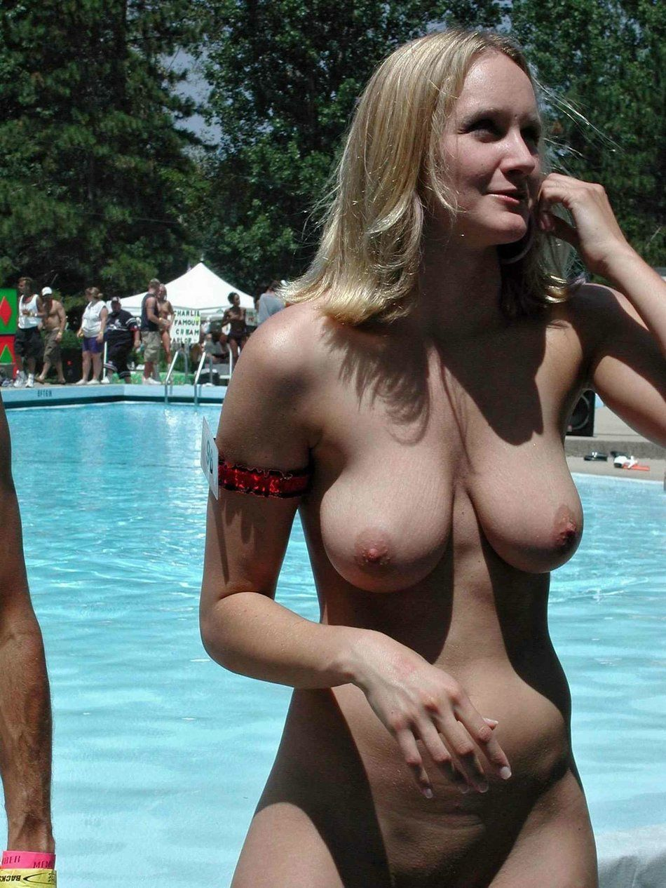 Basecamp recommendet women boobs tits topheavy amateur Mature