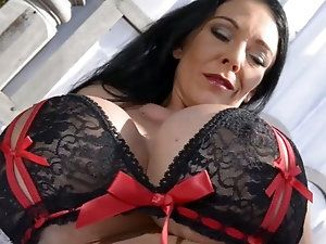 Oldie reccomend Mature busty plump women hair
