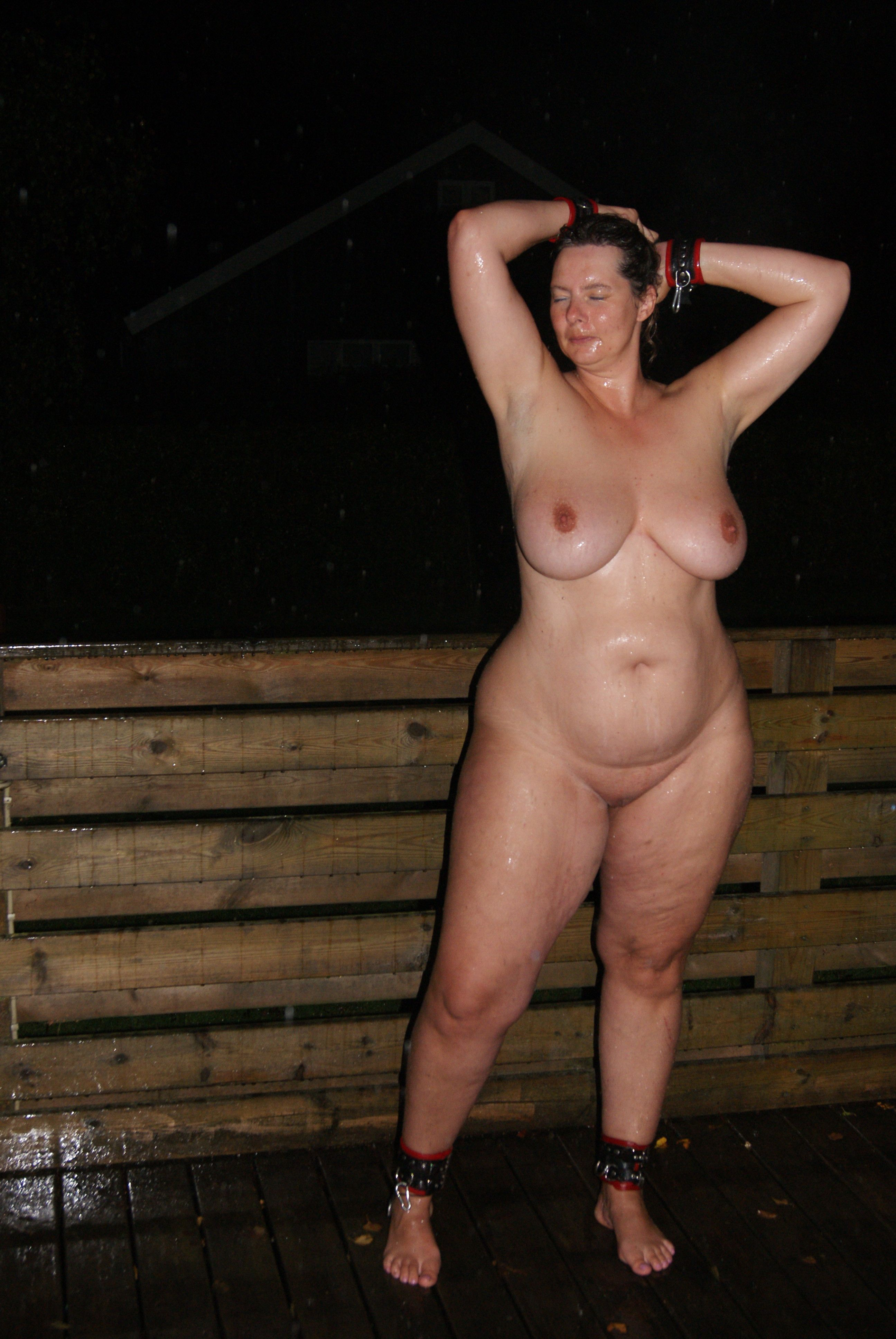 Mature girls with wide hips naked