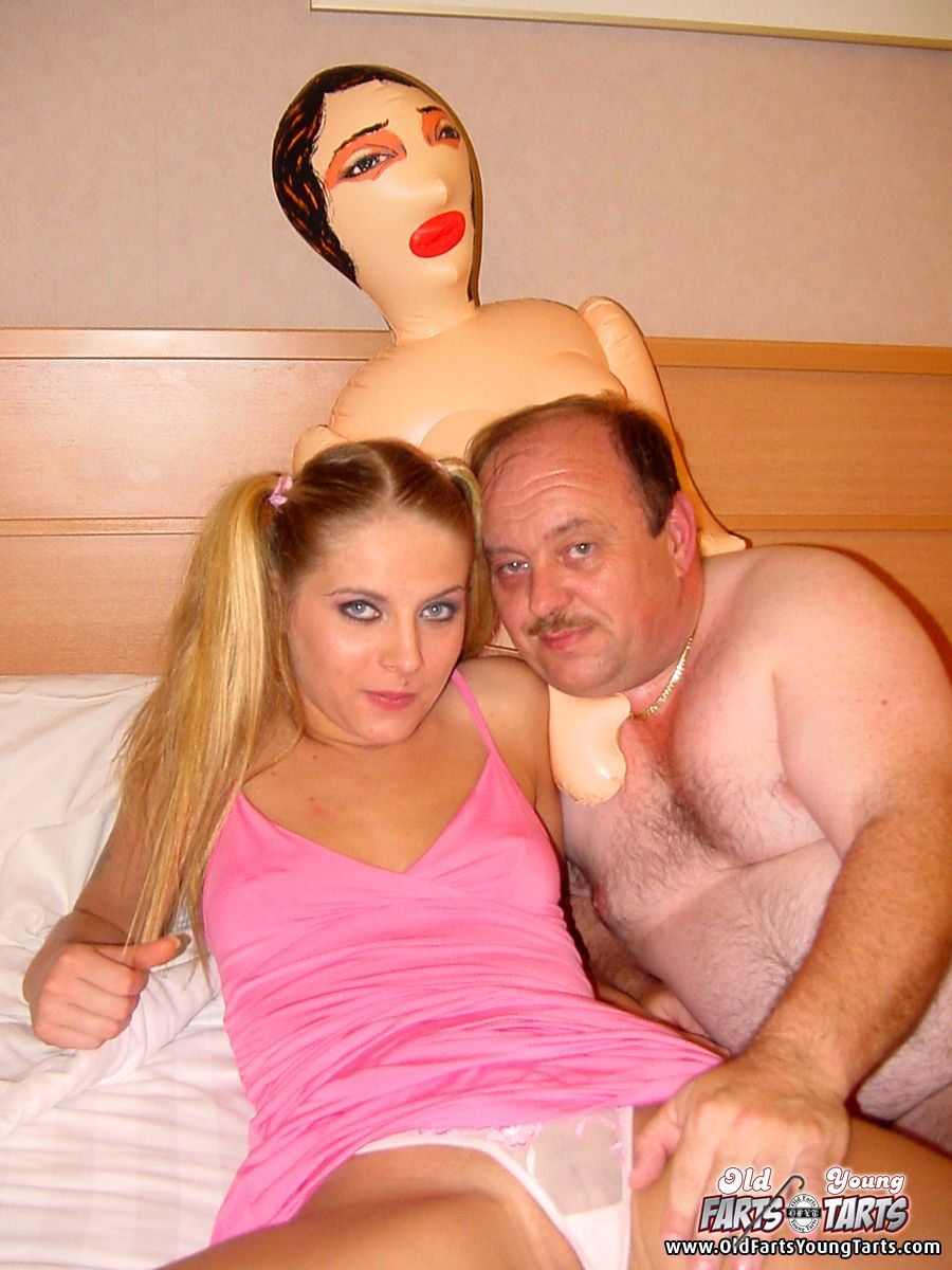 Mature lady and blowupdoll sex