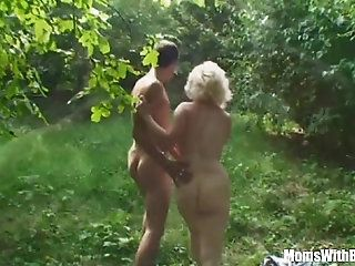 Mature white lick dick outdoor