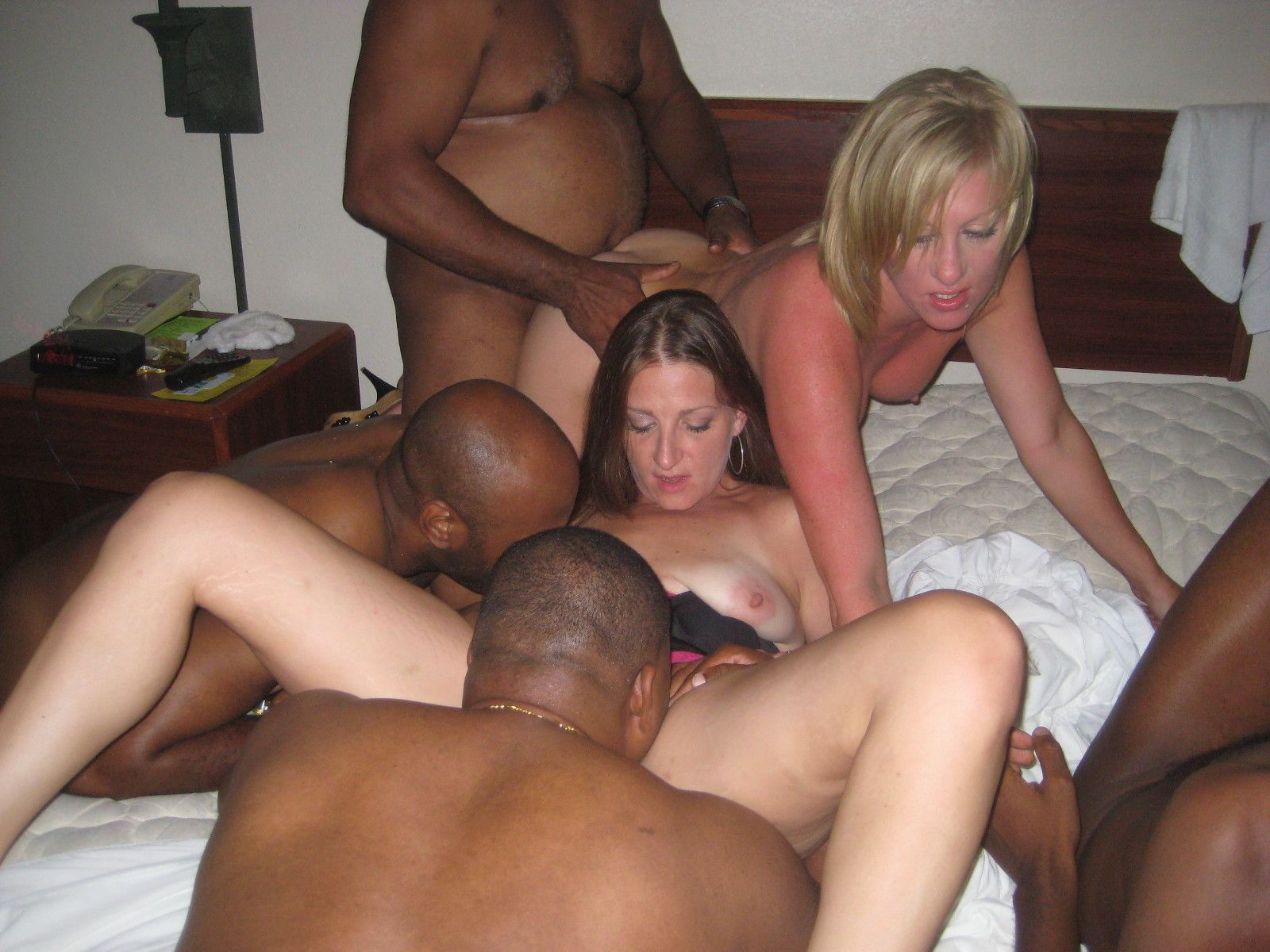 Gucci recommendet Asian masseuse hot fucking session with client.