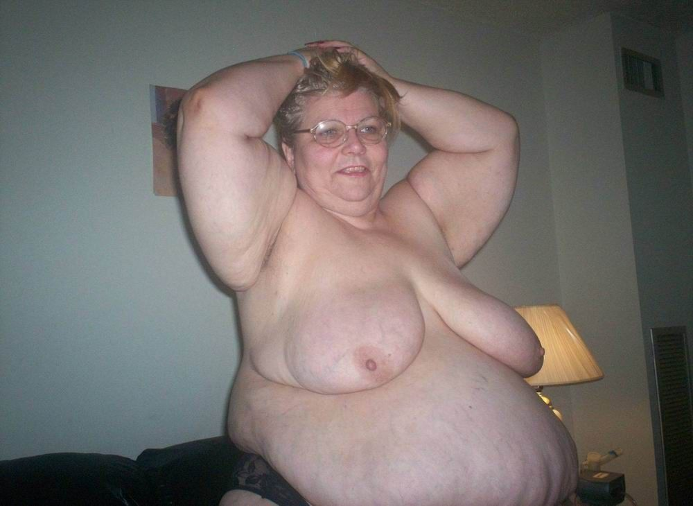NUTTED ON THIS NIGGAS GRANNY BACK SHE HAS A VERY FAT ASS.