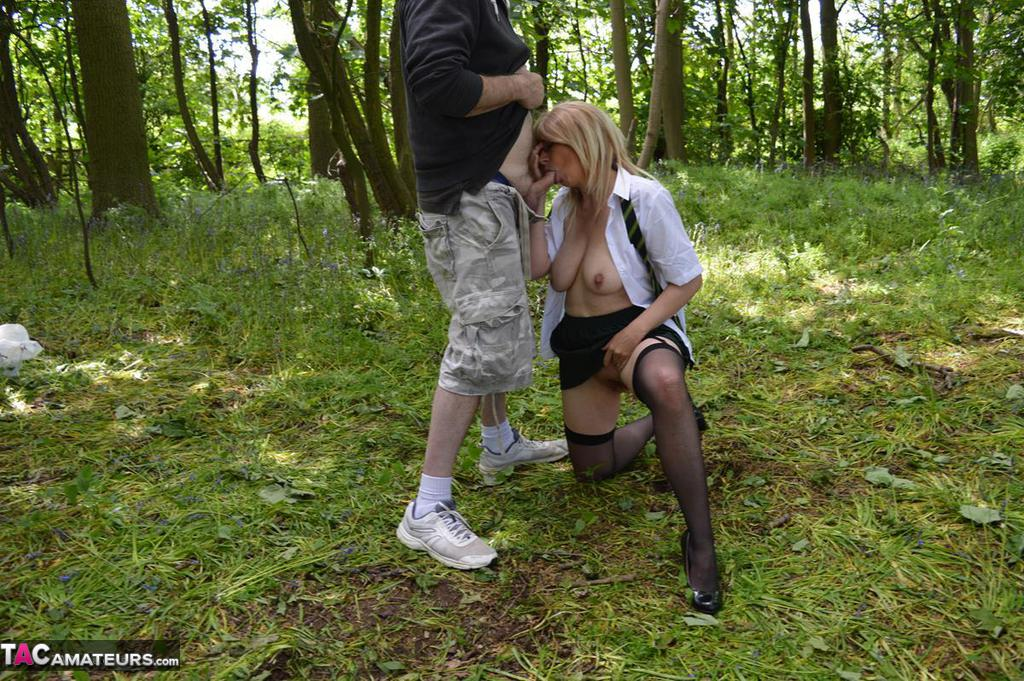 Red H. recommendet school girl woods