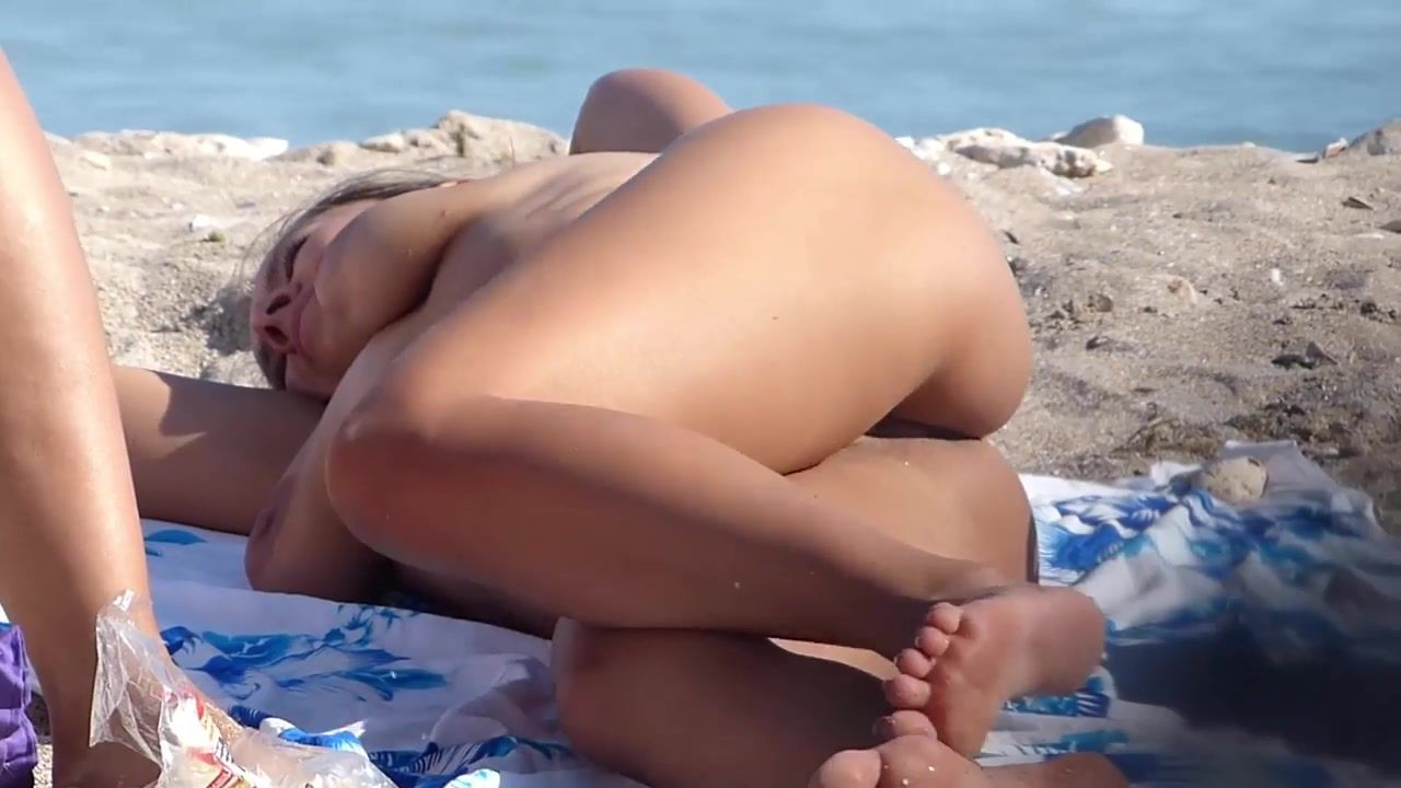 Blaze reccomend sexy beach nudes