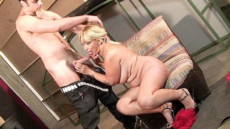 Waffle reccomend Slutty young virgin pussy