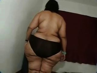 Bumble B. reccomend ssbbw striptease